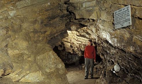 Lóczy barlang